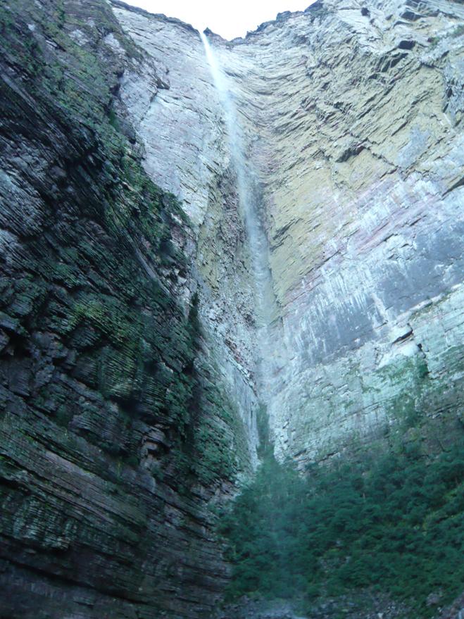 Cachoeira da Fumaca por baixo